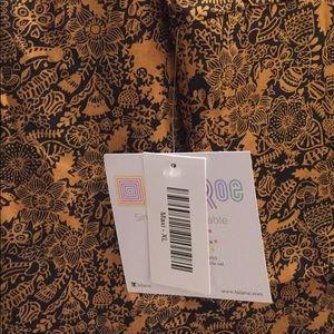 LuLaRoe Maxi Skirt Size XL black and gold flowers